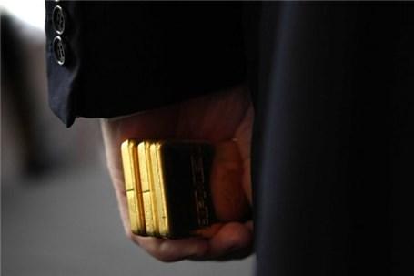 طلای جهانی به پایین ۱۳۰۰ دلار سقوط کرد